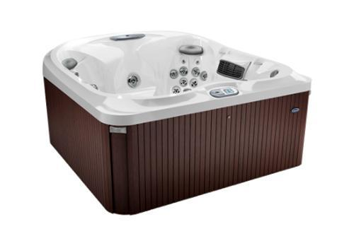 Jacuzzi J-445 in Langford, BC