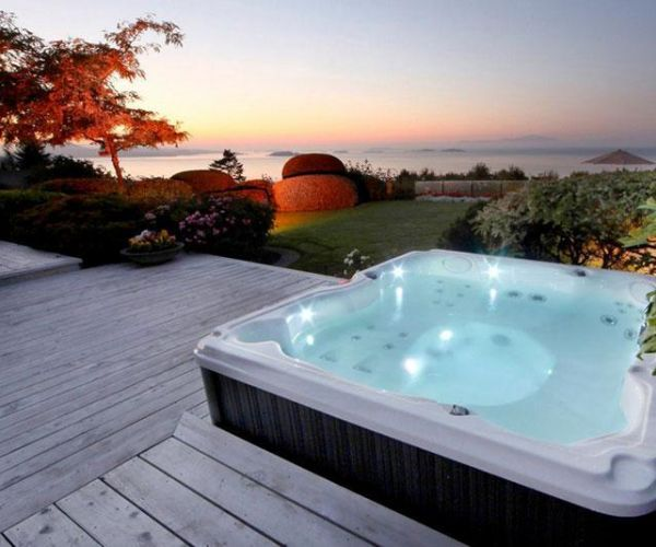 Jacuzzi® Hot Tubs in Langford, BC